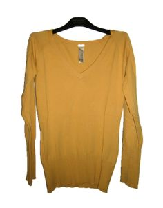 Jersey amarillo de pico Pull and Bear 25.00€