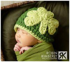Items similar to Crochet Pattern - Feelin' Lucky Shamrock Hat Newborn - Child Sizes on Etsy Crochet For Kids, Crochet Baby, Knit Crochet, Chrochet, Crochet Beanie, Crocheted Hats, Holiday Crochet, Crochet Patterns, Crochet Ideas