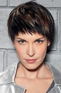 Page Boy for woman | Blunt Cut Hairstyles and Haircuts | ancient ...