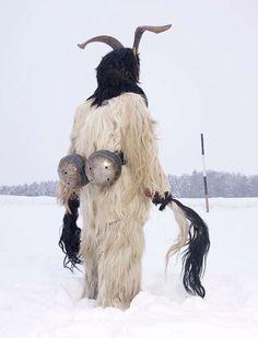 Estos bestiales seres son parte de una tradición pagana europea y castigan a los niños traviesos