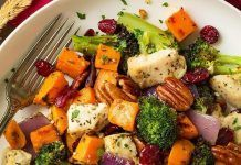 Healthy Dinner Recipes Discover Chicken Broccoli and Sweet Potato Sheet Pan Dinner - Cooking Classy Easy dinners like so were made for busyweeknight meals! This Chicken Broccoli and Sweet Potato Sheet Pan Dinner will quickly become a new fall fav! Healthy Dinner Recipes, Healthy Snacks, Healthy Eating, Cooking Recipes, Healthy Broccoli Recipes, Budget Cooking, Cooking Broccoli, Cauliflower Recipes, Healthy Chicken