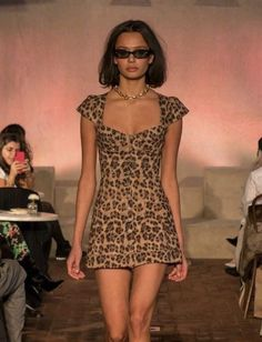 haute couture fashion Archives - Best Fashion Tips 2000s Fashion, Look Fashion, Runway Fashion, High Fashion, Fashion Show, Womens Fashion, Classy Fashion, Fashion Black, Fashion 2018