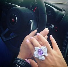 jewelry_goals@princess_somiyee rocks her gorgeous floral ring