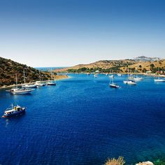Let the unspoiled nature and gentle breeze of Gumusluk refresh you on your Blue voyage past Bodrum.