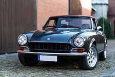 Classic Car News Pics And Videos From Around The World Fiat 124 Sport Spider, Fiat 124 Spider, Bmw Classic Cars, Fiat Abarth, Diesel Cars, Car Goals, Bmw 5 Series, Small Cars, Corvette