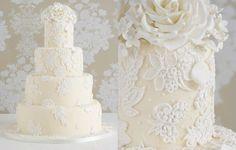 Enfeitados, coloridos ou tradicionais, os bolos de casamento são os protagonistas das comemorações matrimoniais.