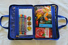 How To Entertain A Toddler On An Airplane Flight - Free Checklist Toddler Plane Travel, Travel With Kids, Stroller Bag, Umbrella Stroller, Airplane Activities, Toddler Activities, Vacation Packing, Travel Packing, Flying With A Toddler