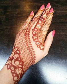 1 Mehndi Design website from India. We offer a huge collection of mehndi designs from every corner of World. Refer Latest & Arabic mehndi designs by Top Mehndi Artists. Henna Hand Designs, Dulhan Mehndi Designs, Mehandi Designs, Mehendi, Mehndi Designs Finger, Mehndi Designs For Beginners, Modern Mehndi Designs, Mehndi Designs For Girls, Mehndi Design Pictures