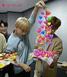 New memes kpop sem legenda stray kids ideas Funny Kpop Memes, Kid Memes, Cute Memes, Dad Jokes, Nct 127, Heart Meme, Jisung Nct, Kawaii, Meme Faces