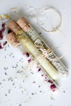 DIY Bath Salts – 3 Ways | http://hellonatural.co/moisturizing-diy-bath-salts/