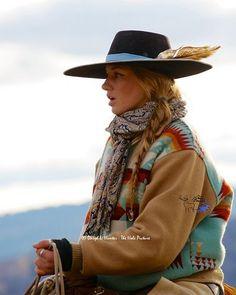 Working Cowgirl Cydnie Clark in Star Valley Wyoming Cowgirl Chic, Cowgirl Mode, Estilo Cowgirl, Gypsy Cowgirl, Cowgirl Hats, Cowgirl Outfits, Cowgirl Style, Western Outfits, Western Wear