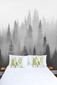Den här vill jag har i mitt rum ;)  Dimmig skog svartvit tapet | Fototapet | Fondvägg | Gran