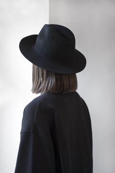 Midnight hat // Études studio