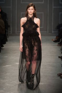 Pin for Later: Get Your Dress Fix With 100 of the Prettiest Autumn Looks Vera Wang Fall 2014