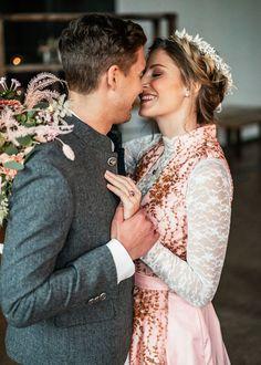 Bei Dirndl Liebe findest du Hochzeitstracht die besonders ist und die du individuell auf deine Wünsche anpassen kannst. Du wirst so in deinem Brautdirndl zum absoluten Hingucker! Fotografie: Alex Mayer Fotografie @alexmayerfotografie Styling: Lisa Morales @lisamorales.brautstylist Organisation: Sunshine Weddings @sunshine.weddings Floristik: Marion Schmid @blumen_elsperger_weiss_gbr Fitting: @l.dso Models: @ninatiefnig, @maxjawo Lisa Morales, Marion, Models, Couture, Couple Photos, Couples, Organization, Oktoberfest, Flowers