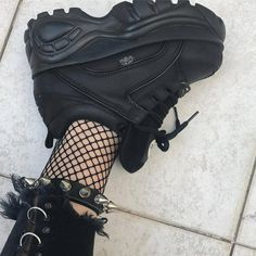 February 12 2019 at Mode Grunge, Grunge Style, Aesthetic Shoes, Aesthetic Clothes, Aesthetic Grunge, Sneakers Fashion, Fashion Shoes, Fashion Outfits, Edgy Outfits