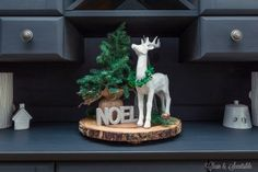 """WOODEN """"PLATTER"""" .....NICE TOUCH TO DISPLAY ITEMS ON!!!   NOTICE PADS ON BOTTOM SO DOES NOT SCRATCH STUFF.............Beautiful Christmas home tour! with lots of simple Christmas decorating ideas."""
