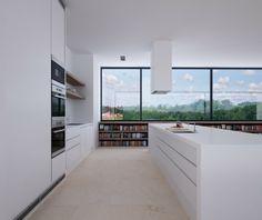 électroménager encastrable dans la cuisine moderne blanche