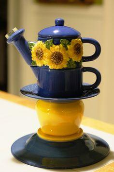 Double Sunflower Tea Pot