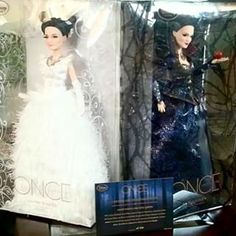 D23 ONCE Upon A Time exclusive dolls
