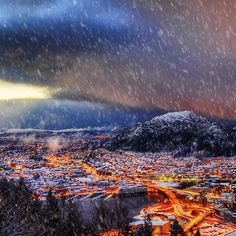 Bergen fikk nesten ikke snø i 2014 - men i desember kom det endelig litt vinter! Foto: @overlandscape (Instagram)