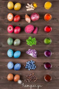 How to dye easter eggs naturally. decorating eggs You Can Make These Natural Easter Egg Dyes With Everyday Ingredients Easter Egg Dye, Coloring Easter Eggs, Hoppy Easter, Easter Eggs Natural Dye, Egg Coloring, Making Easter Eggs, Coloring Tips, Easter Food, Diy Ostern