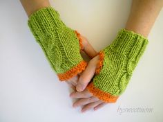 Sparkling Green Cable Knitted Mitten, Fingerless Gloves...24$
