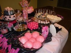 More pink and black buffet...