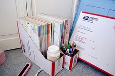 *lyssa beth*: DIY magazine holders from Priority Boxes.Includes detailed instructions for cutting the boxes so you get two magazine holders out of one box. Classroom Hacks, Classroom Setup, School Classroom, School Teacher, Classroom Schedule, Classroom Rules, Classroom Design, School Boy, Kindergarten Classroom