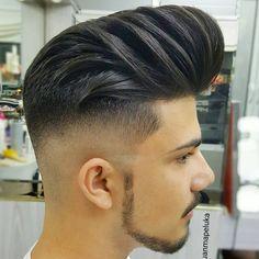 PELUQUERIA D'HOMBRES JUANMA Tlf📞952263112 MALAGA Obispo bartolome espejo (LAS FLORES) Facebook Peluqueria D'hombres juanma Trending Hairstyles For Men, Hairstyles Haircuts, Modern Haircuts, Haircuts For Men, Modern Pompadour, Beard Haircut, Best Beard Styles, Pompadour Hairstyle, Great Hair