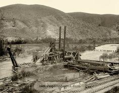 Assembling a Steam Gold Dredge, Eastern Oregon - Hazeltine