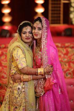 Indian Wedding Poses, Indian Wedding Photography Poses, Indian Wedding Outfits, Rajasthani Bride, Rajasthani Dress, Indian Gowns Dresses, Royal Dresses, Ethnic Wear Designer, Indian Designer Outfits