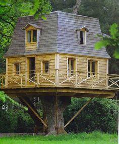 French tree house (La gentilhommière du Bois Adam) Uhm.....YES PLEASE!!!