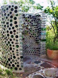 36 DIY Garden Decor Crafts Ideas - 5 Easy Tips For Building a Beautiful Garden Shed - The best way Many occasions have you ever gotten yourself convinced that you might be ready to have which perform yourself outdoor. Outdoor Baths, Outdoor Bathrooms, Earthship, Outside Showers, Outdoor Showers, Cottage Design, Diy Garden Decor, Easy Garden, Glass Bottles