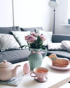 """16 To se mi líbí, 1 komentářů – Zahrada v květináči (@katerinadoleckova) na Instagramu: """"Mám moc ráda růže. Na ty zahradní je ještě dost brzo, tak mi jedna fešanda kvete alespoň na…"""""""