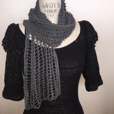 Strip Art Sleeves Knit Pullover with Mesh Knit Scarf