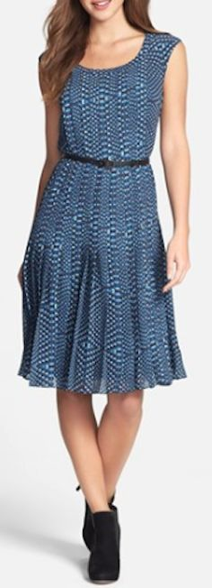 pretty pleated dress  http://rstyle.me/n/mwix6pdpe