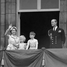 Prince Charles and Princess Anne with their parents, Queen Elizabeth II and Duke of Edinburgh, on the balcony of Buckingham Palace following their return from the Commonwealth tour