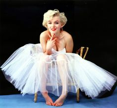 Photo session made at Milton's studio, on Lexington Avenue. Marilyn wears a dress, too small for her, of Anna Klein.
