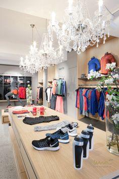 #storeideas #nike #nikestore #sportsstore #mannequin #sportgeschäft #sportladen #luster Nike Store, Interior Design Studio, Store Design, Running, Home Decor, Projects, Nest Design, Decoration Home, Room Decor