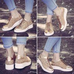 #sneakers love ❤️ cork @fratellipetridi sneakers  #lovefashiongr #fashion #fashionblog #fashionblogger #greekbloggers #fratellipetridi #fratellipetridishoes #corksneakers #shoesporn