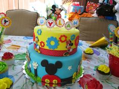 Bits N' Bytes: Mickey Mouse Clubhouse Cake