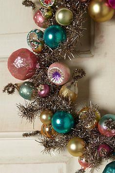 vintage bulb wreath http://rstyle.me/n/s9qb2pdpe