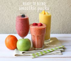 Great breakfast tip: Make your own ready-to-blend smoothie packs to keep busy mornings fast and healthy | The Chic Site