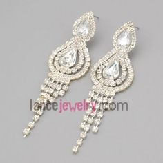 Gracious earrings with claw chain decorate many rhinestone and  shiny crystal