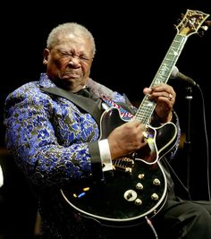 BB King, softest hands in the blues world. Knows when NOT to play a note. Music Icon, Soul Music, My Music, Mississippi, Jazz Blues, Blues Music, Music Guitar, Playing Guitar, Blues Artists