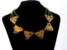 Star's and unique brilliant stone crystals make this an awesome necklace. #fashion #jewelry #vintage #recycle  #vestigejewelry