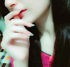 Nails is too cool Hidden Face Dpz, Stylish Boys, Stylish Girl Pic, Stylish Dpz, Crazy Girls, Girls In Love, Cute Girls, Girly Dp, Cool Dpz