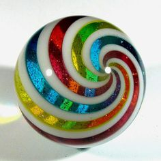 Hot House Glass: Marbles and More from Larry Zengel and Brett Young Marbles Images, Street Art Banksy, Hot House, Crystal Guide, Blown Glass Art, Marble Art, Hand Art, Glass Marbles, Glass Paperweights