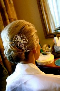 Simple hair style for the mother
